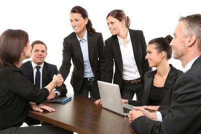 Управление персоналом и оформление трудовых отношений